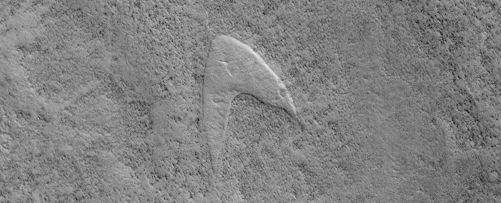 Логотип Звездного Флота из сериала «Стар Трек» обнаружен на Марсе